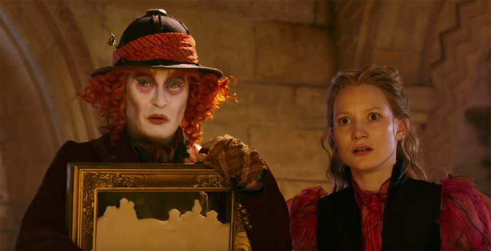 image Trailer Alice Through the Looking Glass