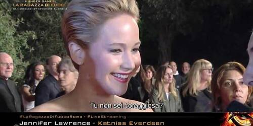 Intervista a Jennifer Lawrence sul red carpet di Roma - Hunger Games: La Ragazza di Fuoco
