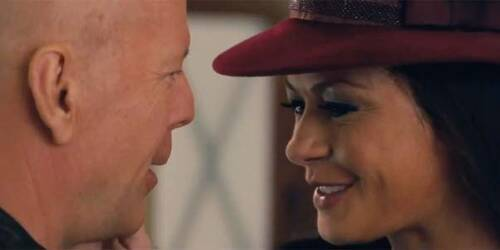 Clip Come va la vita, Frank? - RED 2