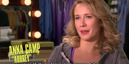 Featurette Anna Camp è Aubrey - Voices